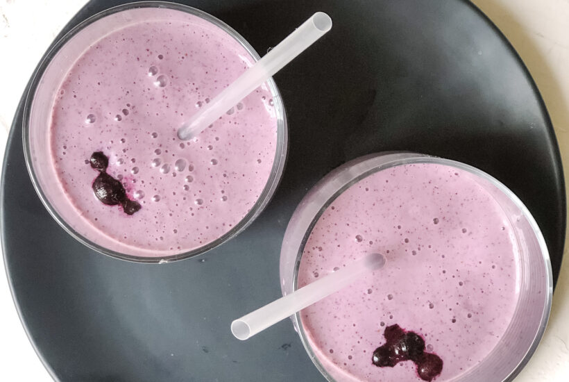 blueberry-vanilla-protein-smoothie-banana-peanut-butter-recipe-easy-simple-ingredients